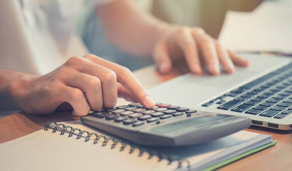 how to become a rich accountant