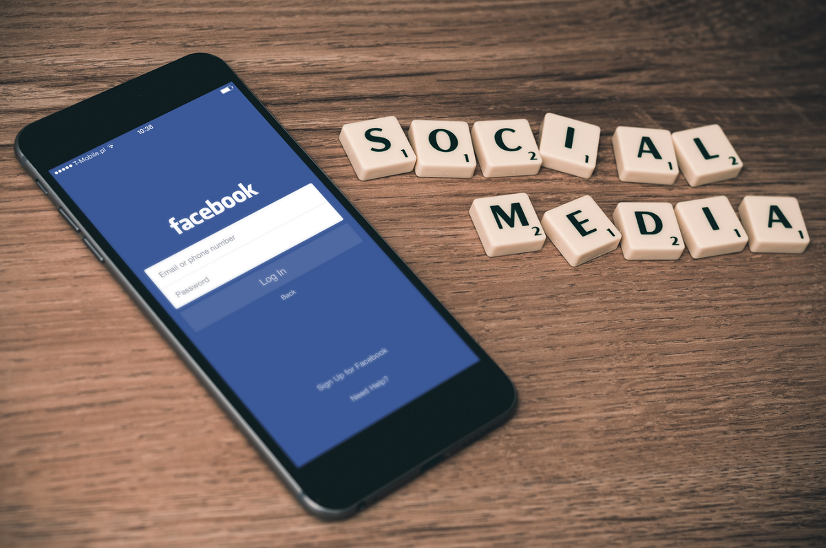 Three-quarters of Brits say social media has a positive effect on